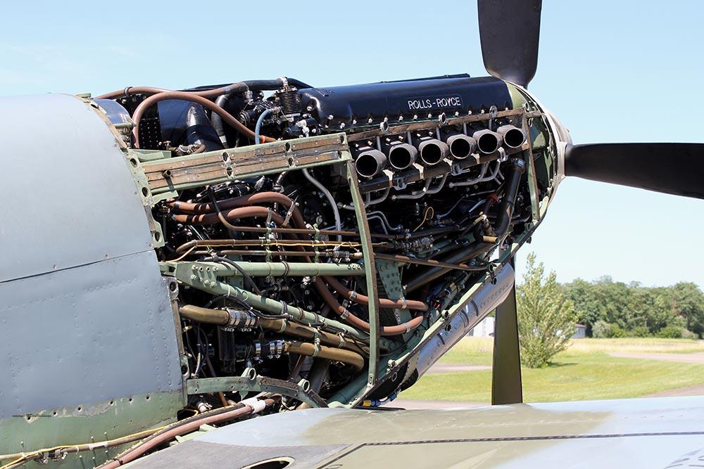 Spitfire_MkVIII_D-FEUR_Set2_-15.jpg
