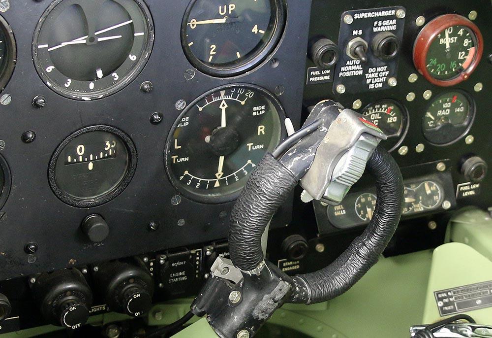 Spitfire_Mk18_TP280_2015-03-2719.jpg