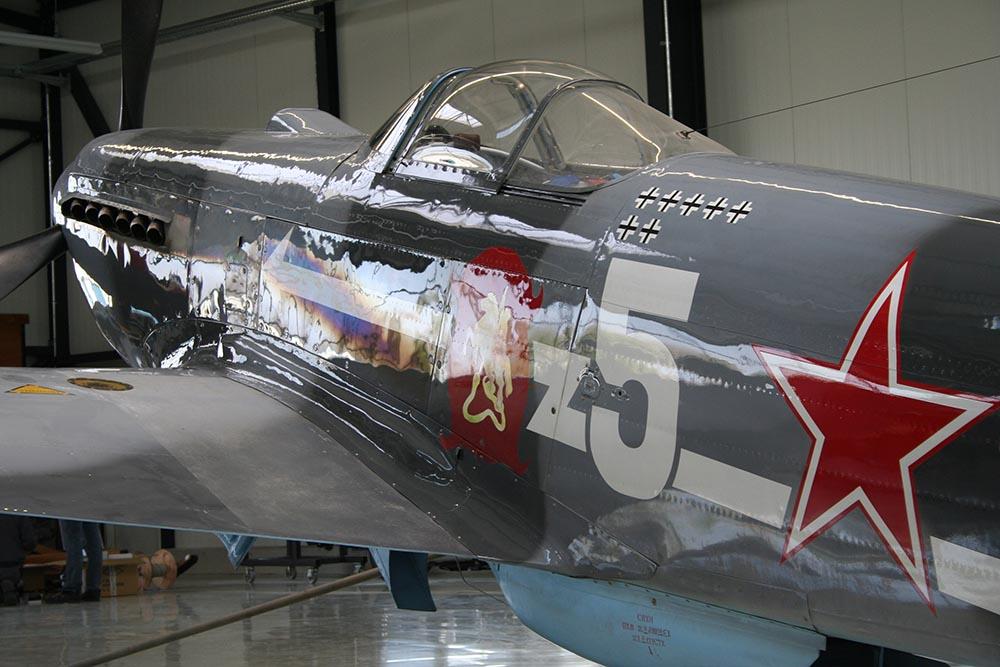 Yak-3_D-FYGJ_2008-04-051.jpg