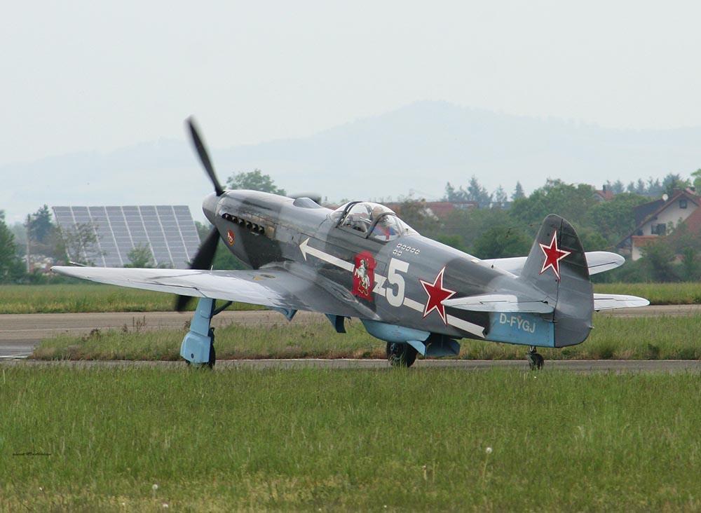 Yak-3_D-FYGJ_2010-04-30_8.jpg
