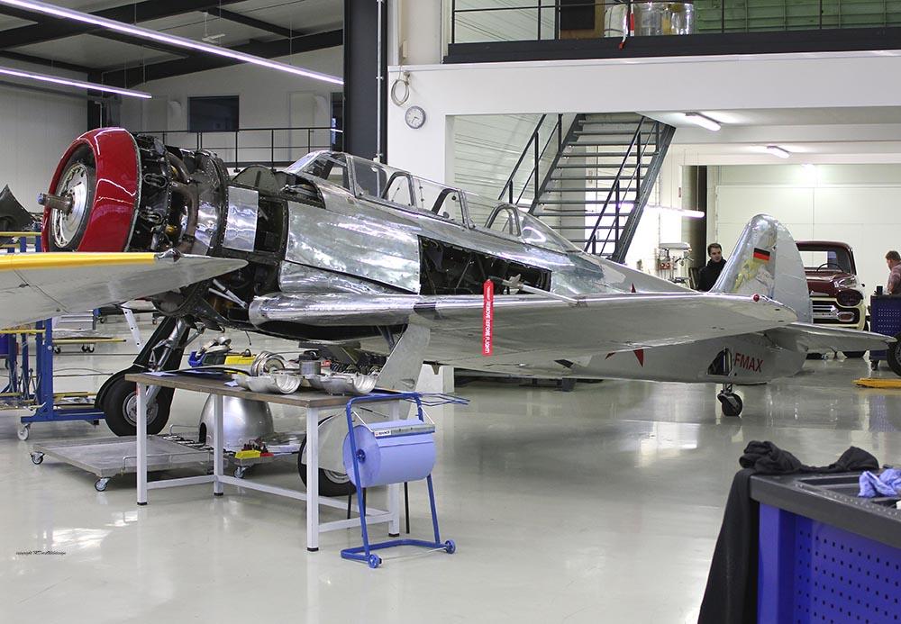 Yak-11_D-FMAX_2011-12-094.jpg