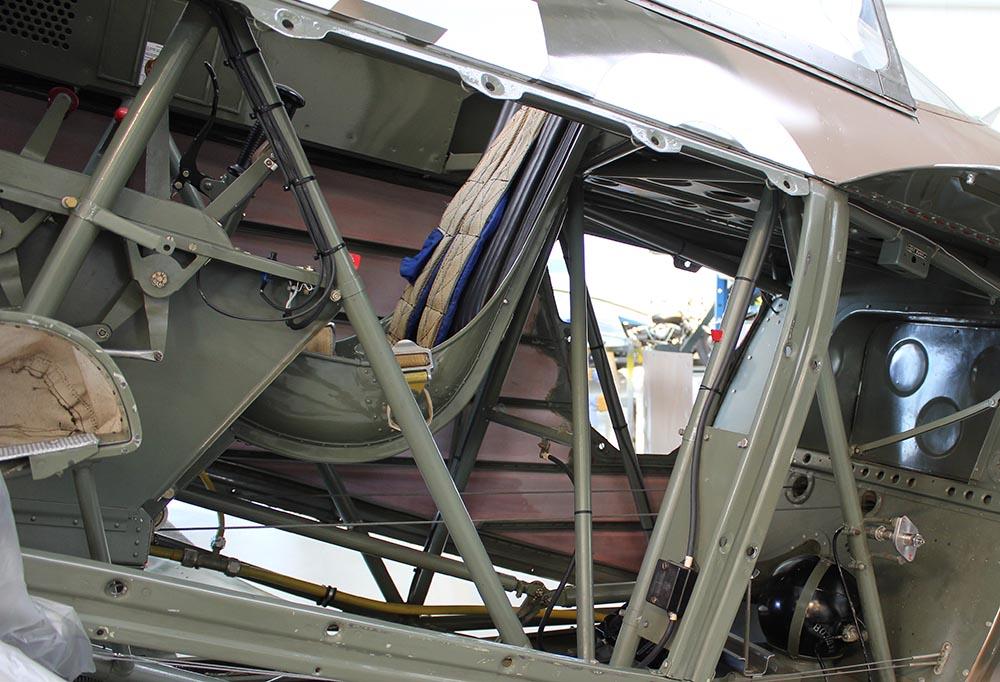 Yak-11_D-FYWM_2012-09-212.jpg
